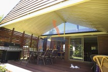 Ground level timber deck, kwila privacy screen, The Gap
