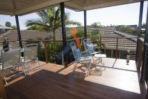 High level, freestanding timber deck, Victoria Point 1