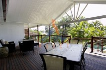 Multi level timber deck, Bulimba 2