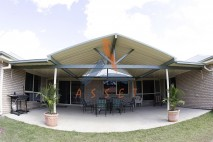 Gable-&-flat-style-patio,-single-skin,-Morayfield