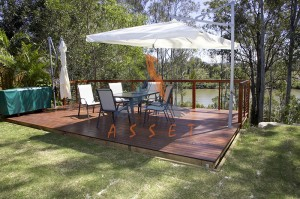 Ground level timber deck, stainless steel balustrade, Jindalee